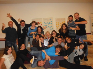 0dsci0012-group-picture-with-fun